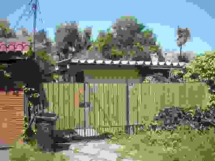 Fachada Antigua DIEGO ALARCÓN & MANUEL RUBIO ARQUITECTOS LIMITADA Casas unifamiliares