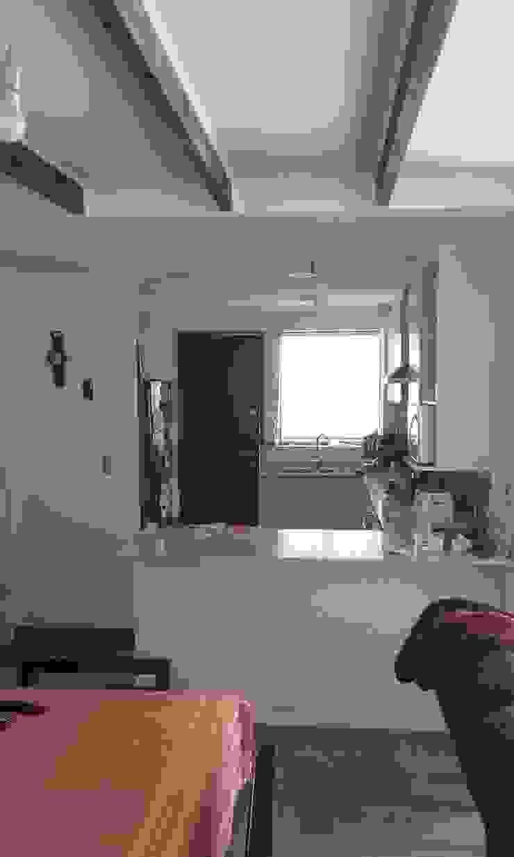 Interior nueva cocina americana DIEGO ALARCÓN & MANUEL RUBIO ARQUITECTOS LIMITADA Cocinas equipadas
