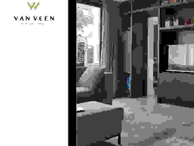 WANDKAST DOORLOOP Moderne woonkamers van VAN VEEN INTERIOR DESIGN Modern Hout Hout
