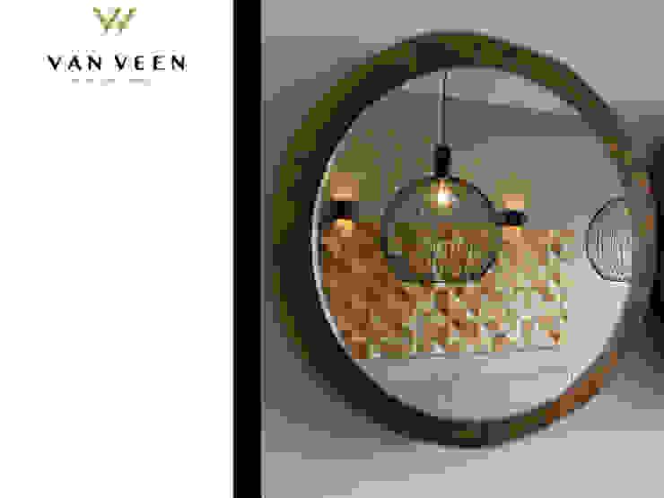 DECORATIE Moderne eetkamers van VAN VEEN INTERIOR DESIGN Modern Glas