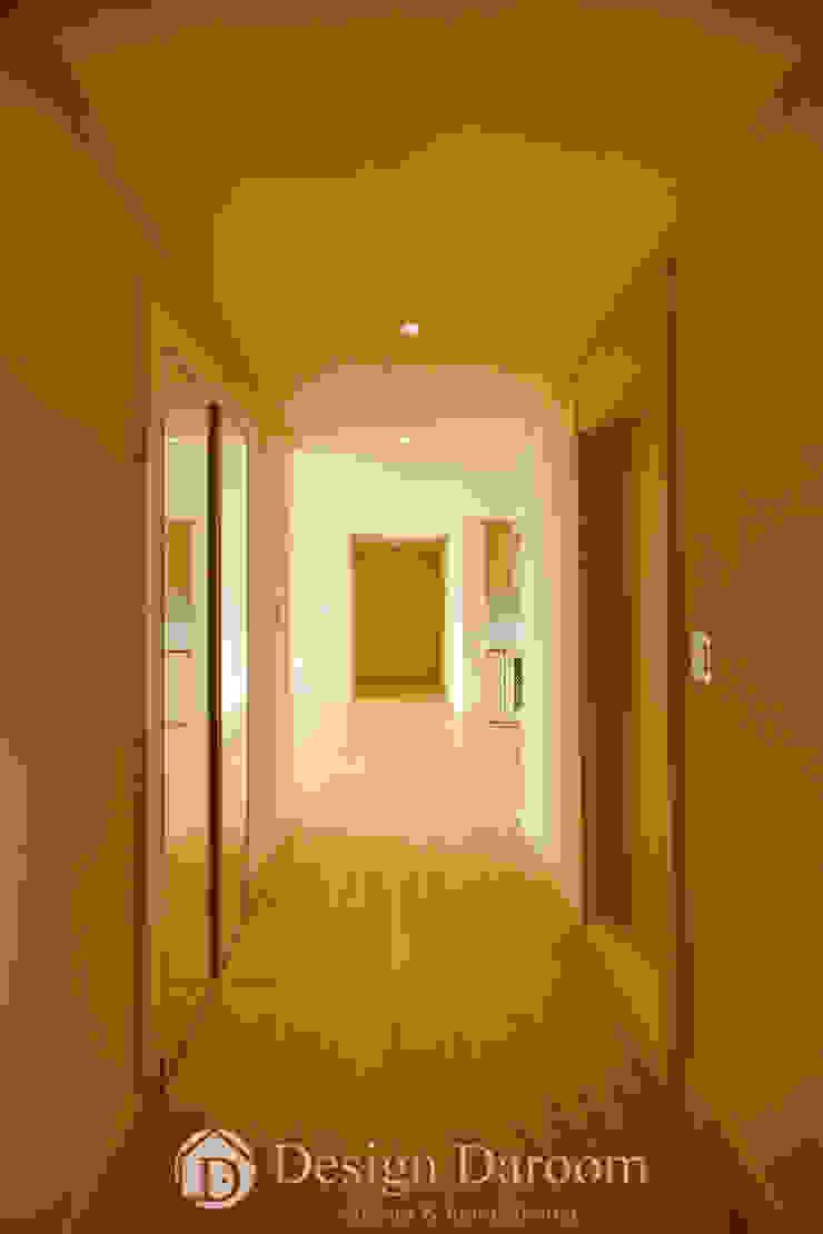 워커힐 아파트 56py 복도 모던스타일 복도, 현관 & 계단 by Design Daroom 디자인다룸 모던