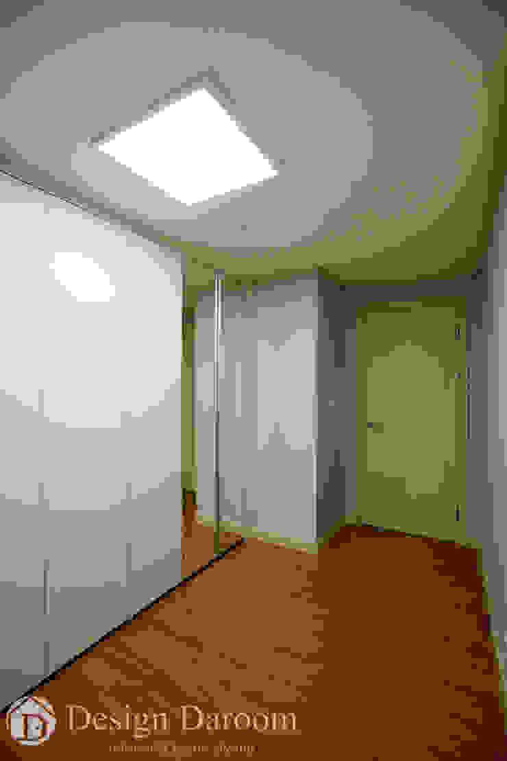 워커힐 아파트 56py 드레스룸 모던스타일 드레싱 룸 by Design Daroom 디자인다룸 모던