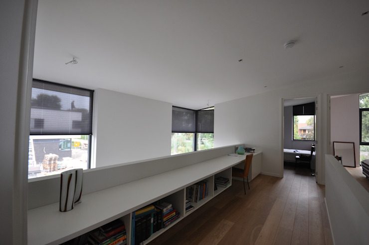 Villa Rotterdam Moderne gangen, hallen & trappenhuizen van Bongers Architecten Modern