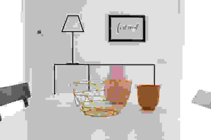 Modern dining room by Boite Maison Modern