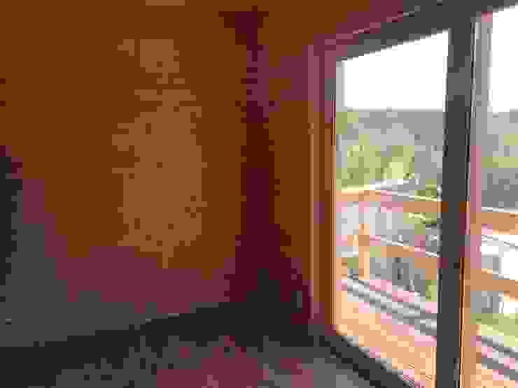 country  oleh Drevo - Wood Solutions Lda, Country