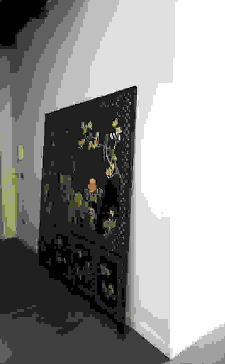 CASA M+V formatoa3 Studio Ingresso, Corridoio & Scale in stile industriale