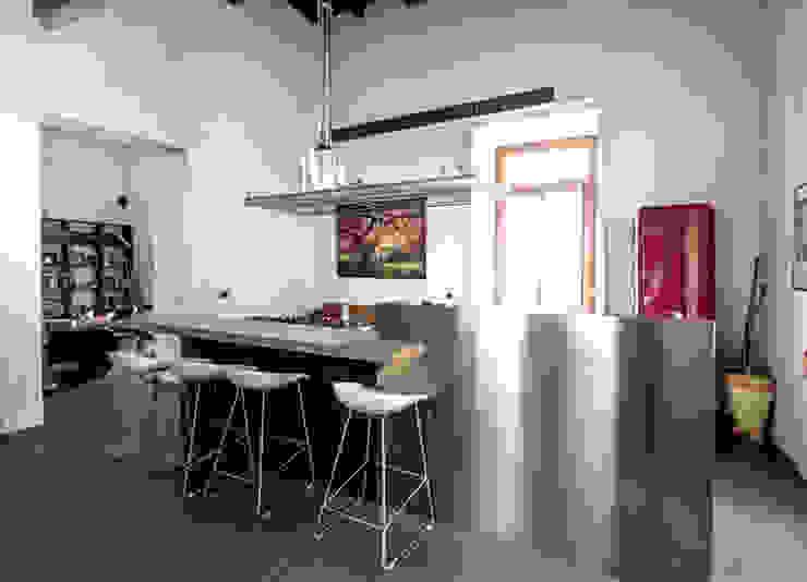 CASA M+V formatoa3 Studio Cucina in stile industriale
