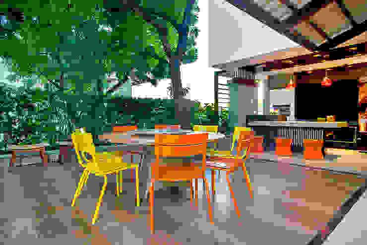 by RI Arquitetura Modern