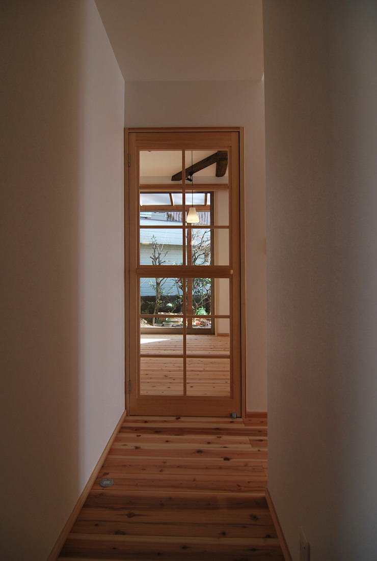 minimalist  by 原 空間工作所 HARA Urban Space Factory, Minimalist Glass