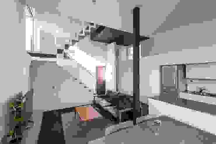 星設計室 Living room Solid Wood White