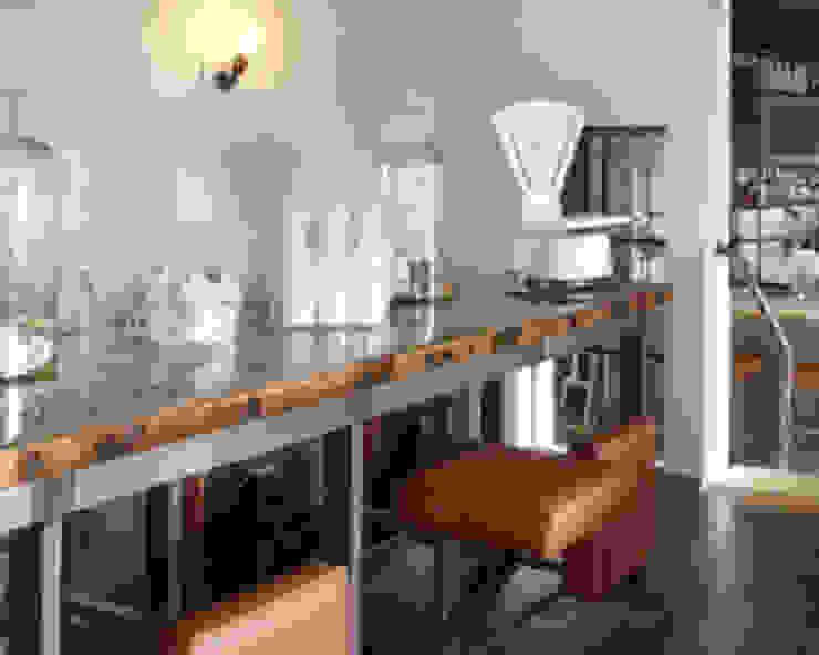 Lange tafel met vaste zittingen Industriële bars & clubs van Bob Nisters Industrieel