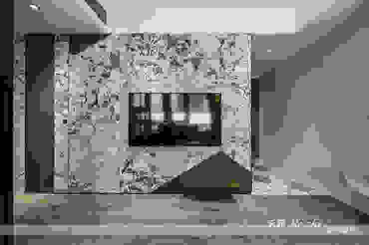 Walls by 禾郅 室內設計, Modern