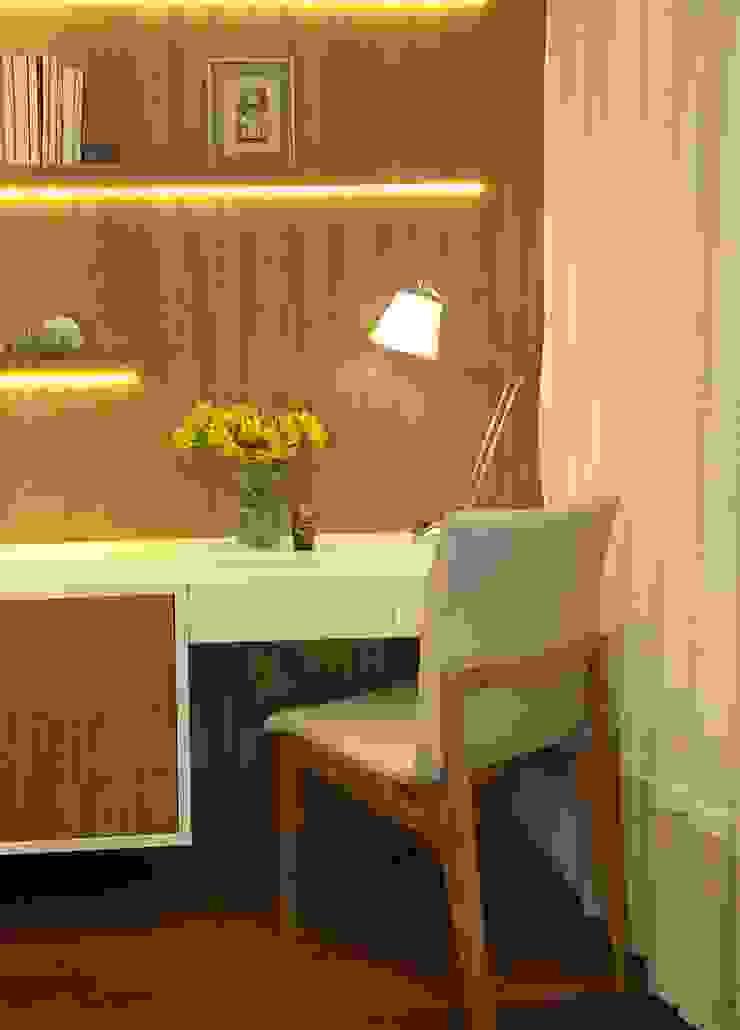 Klassische Schlafzimmer von Marina Duzzi Arquiteta Klassisch Holz Holznachbildung