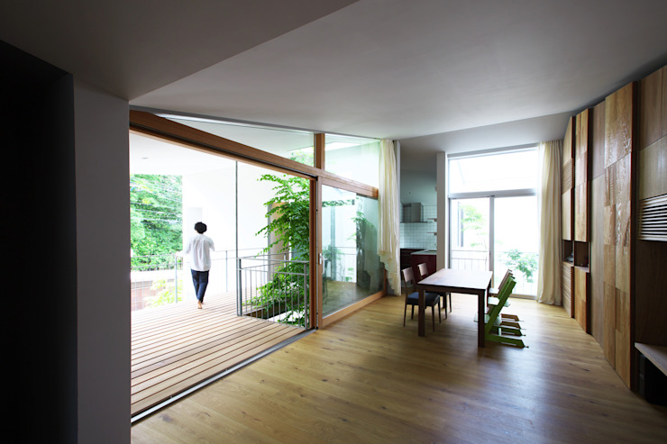 Takeru Shoji Architects.Co.,Ltd Eclectic style dining room
