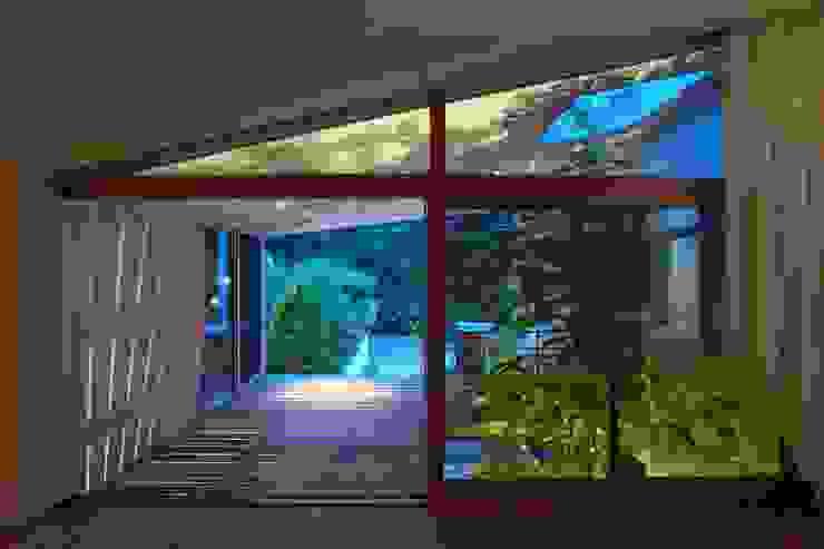 Takeru Shoji Architects.Co.,Ltd Patios & Decks