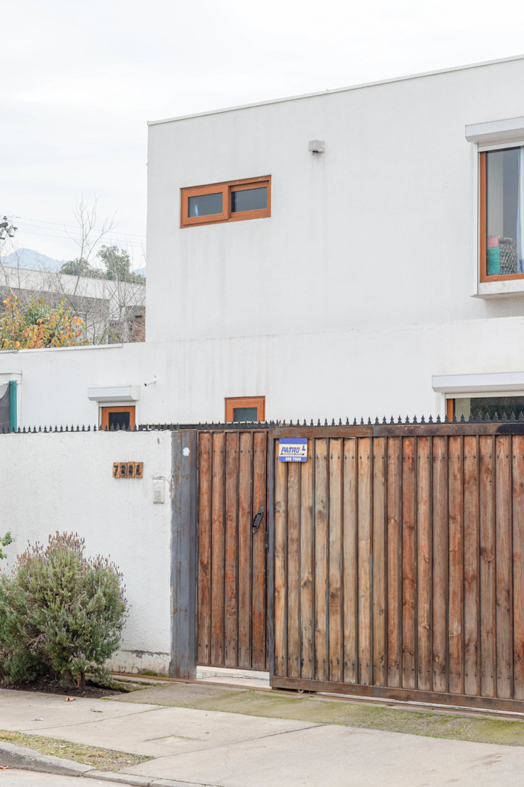 Casas de estilo mediterráneo de Arqbau Ltda. Mediterráneo