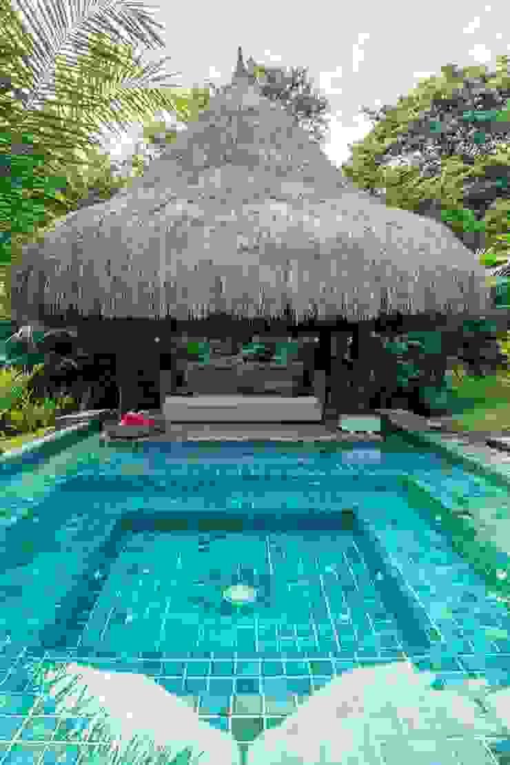 NOAH Proyectos SAS Garden Pool Bamboo Transparent
