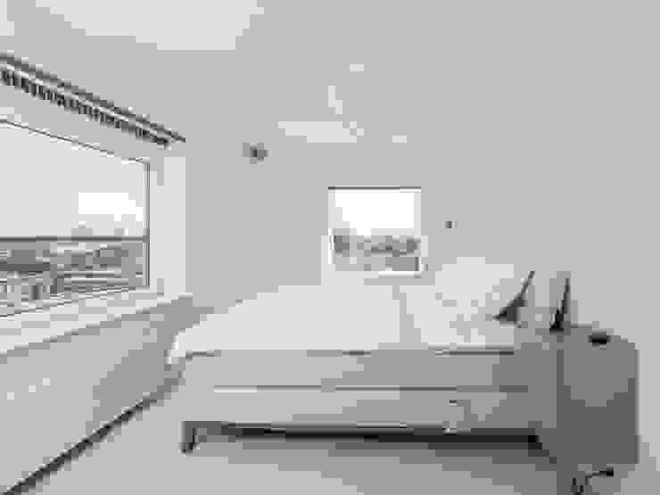 Kamar Tidur Modern Oleh Motion Gietvloeren Modern Plastik