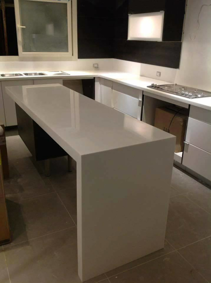 Corian EG KitchenTables & chairs Marble White