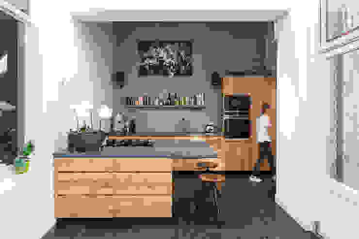 Herbestemming monument Moderne keukens van Richèl Lubbers Architecten Modern