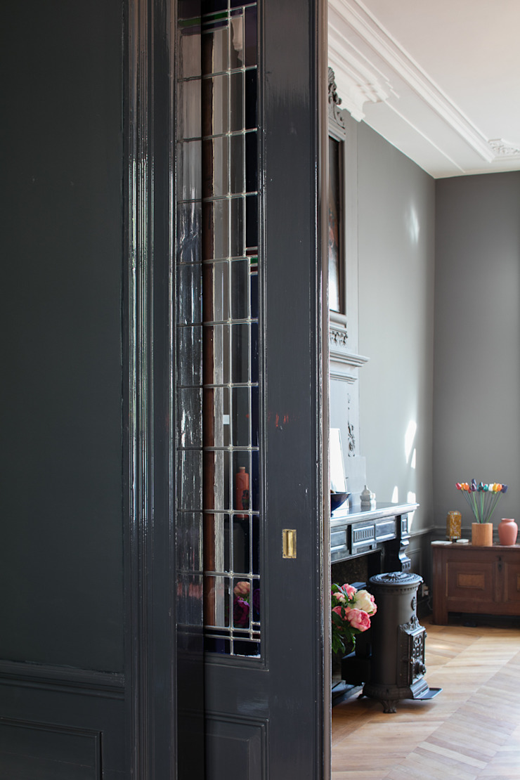 Herbestemming monument Moderne woonkamers van Richèl Lubbers Architecten Modern
