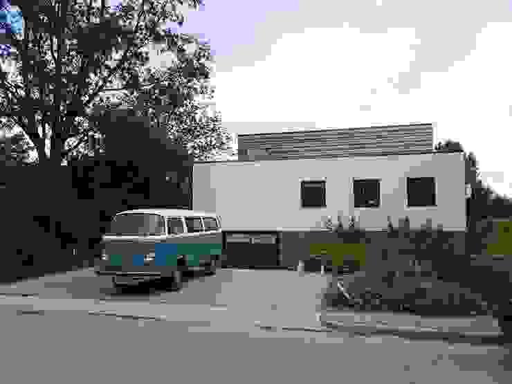 Casas modernas de Richèl Lubbers Architecten Moderno