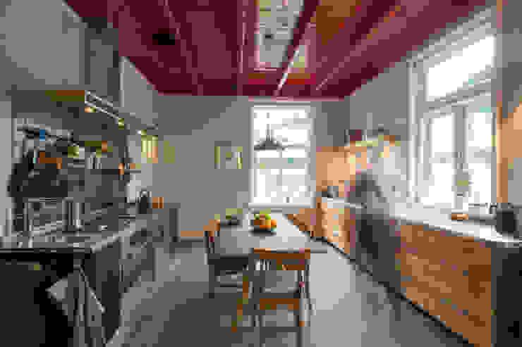 Cocinas de estilo  por Richèl Lubbers Architecten