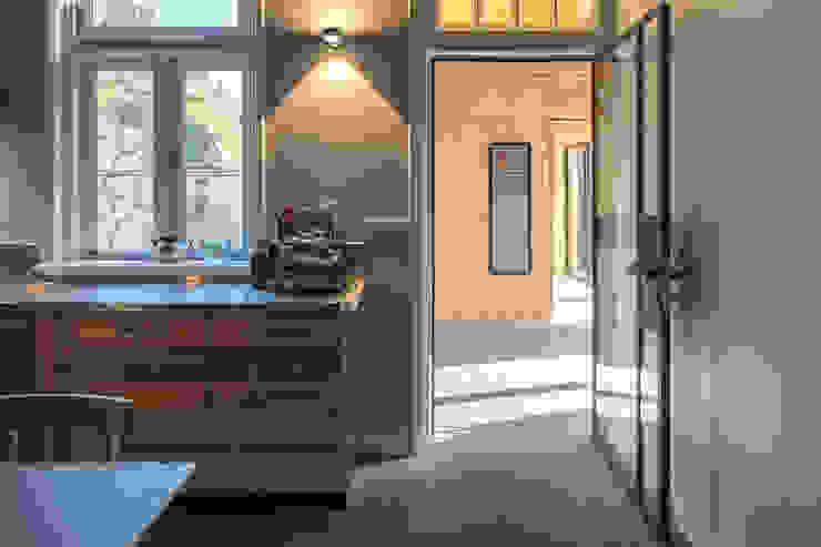 Tuinhuis atelier Moderne eetkamers van Richèl Lubbers Architecten Modern