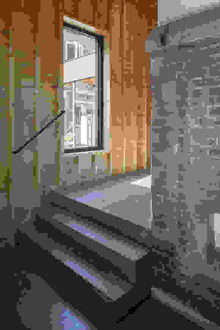 Tuinhuis atelier Moderne gangen, hallen & trappenhuizen van Richèl Lubbers Architecten Modern