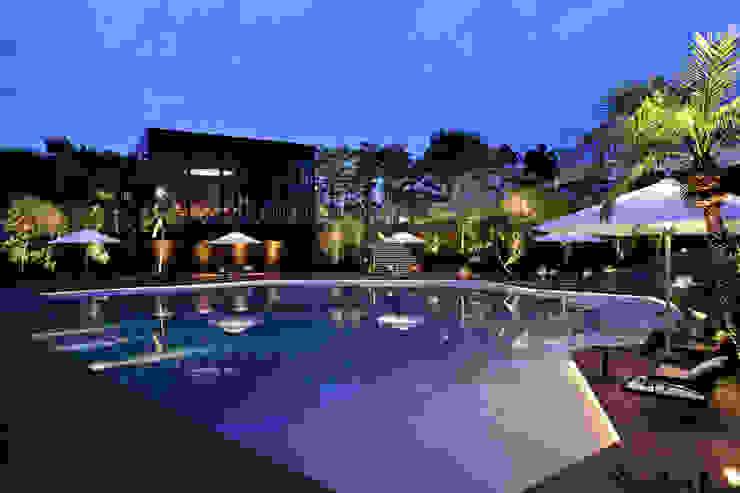 Tropische Hotels von WA-SO design -有限会社 和想- Tropisch
