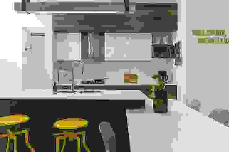Nhà bếp by Adrede Diseño