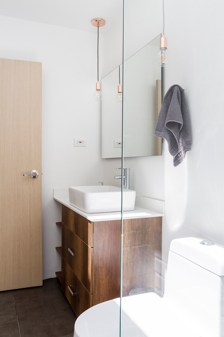 Adrede Diseño Modern Bathroom Wood White