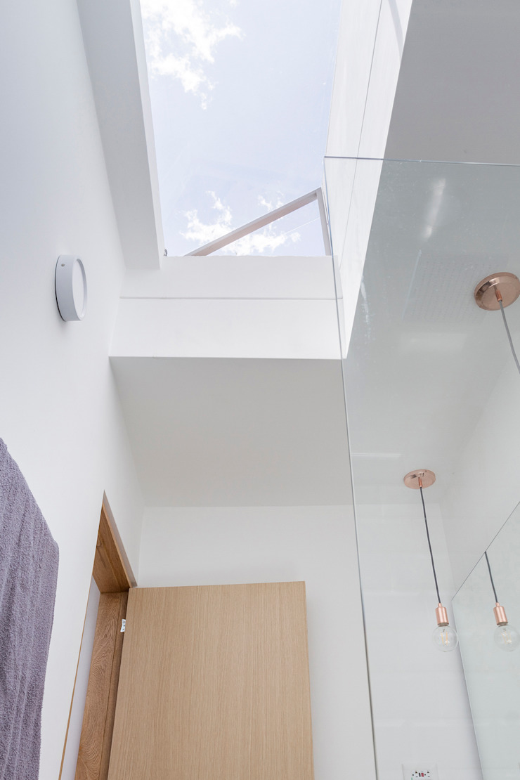 Adrede Diseño Modern Bathroom Ceramic White