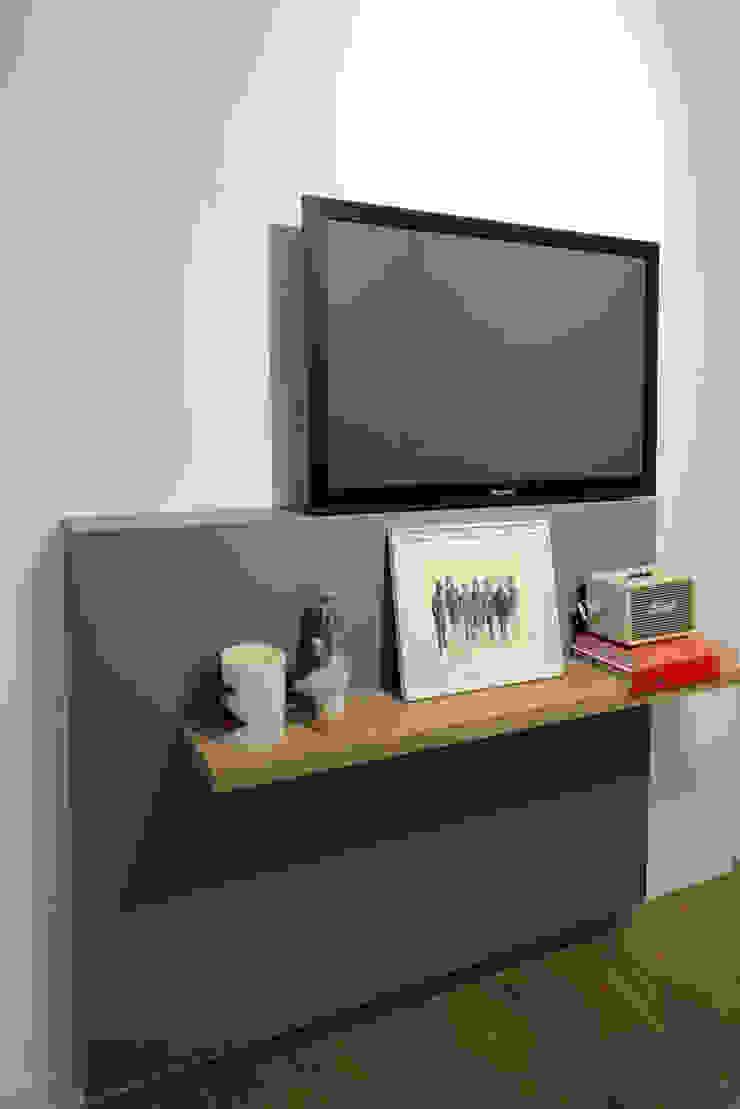 ALMA DESIGN Dormitorios de estilo minimalista