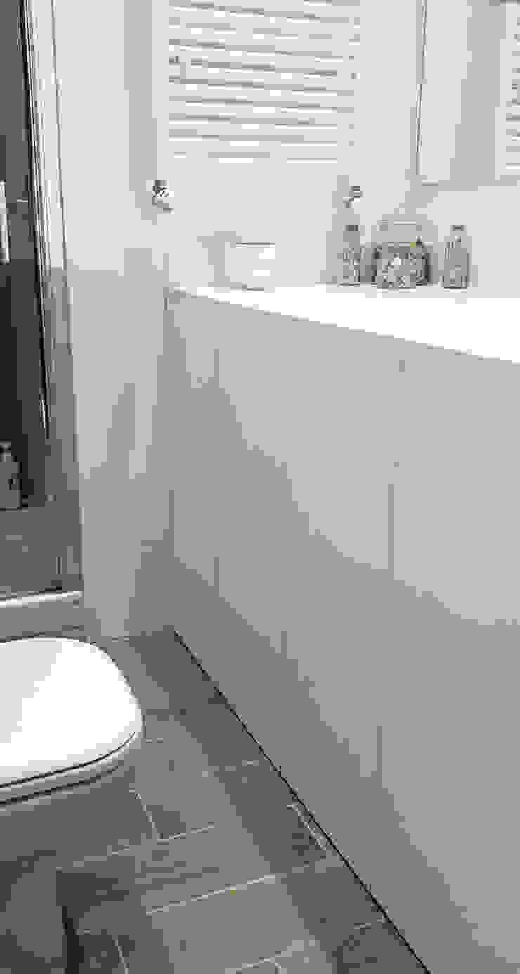 ALMA DESIGN Baños de estilo minimalista
