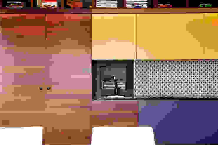 Gemmalo arquitectura interior Modern balcony, veranda & terrace Wood-Plastic Composite Brown