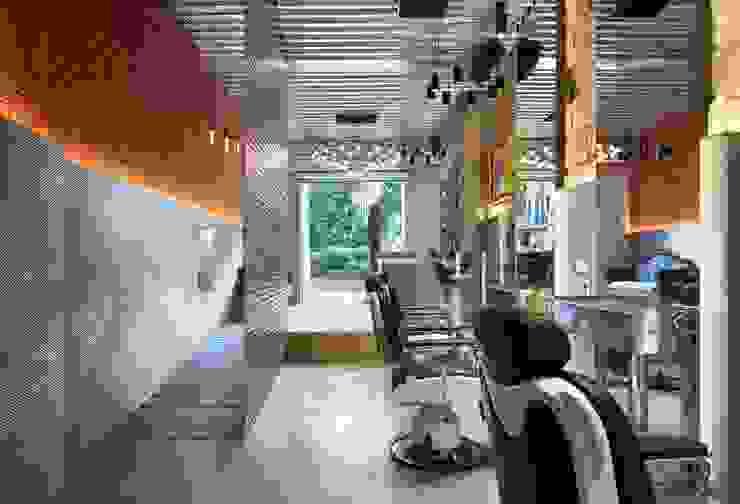 Barber's Club, ''The Razor Blade Project'' Minimal Studio Espacios comerciales de estilo minimalista