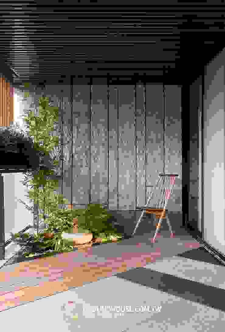 前院 Asian style balcony, porch & terrace by 大地工房景觀公司 Asian
