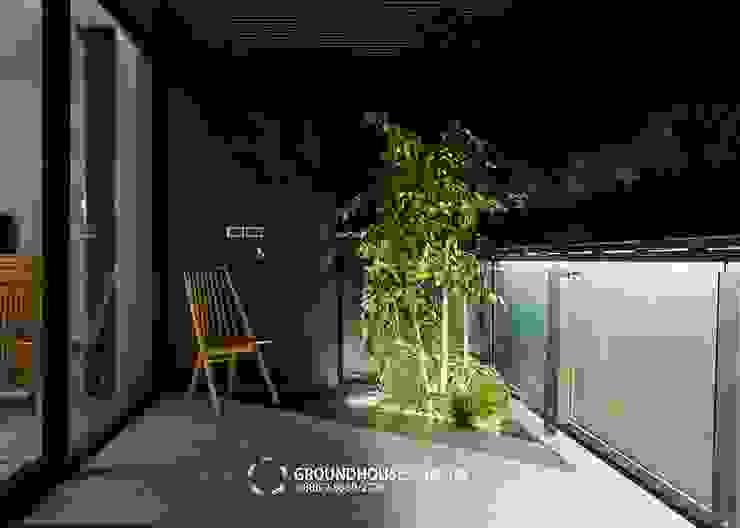 Balcones y terrazas asiáticos de 大地工房景觀公司 Asiático