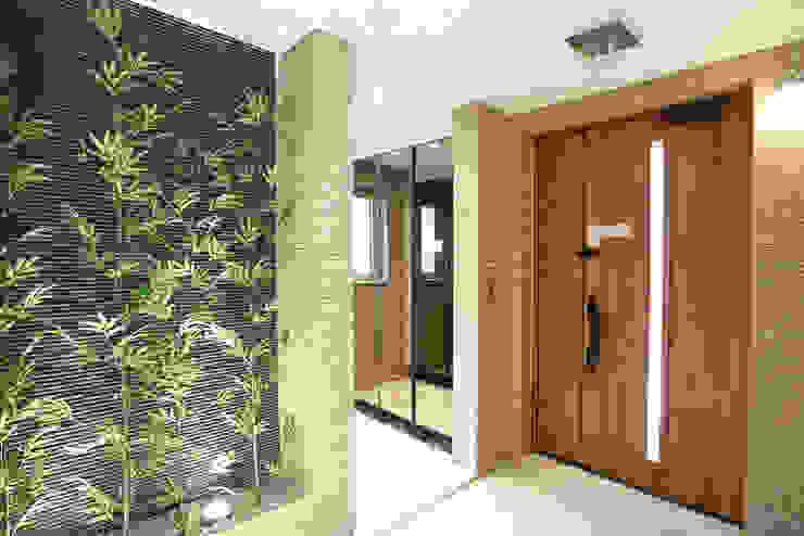 Koridor & Tangga Modern Oleh 더존하우징 Modern