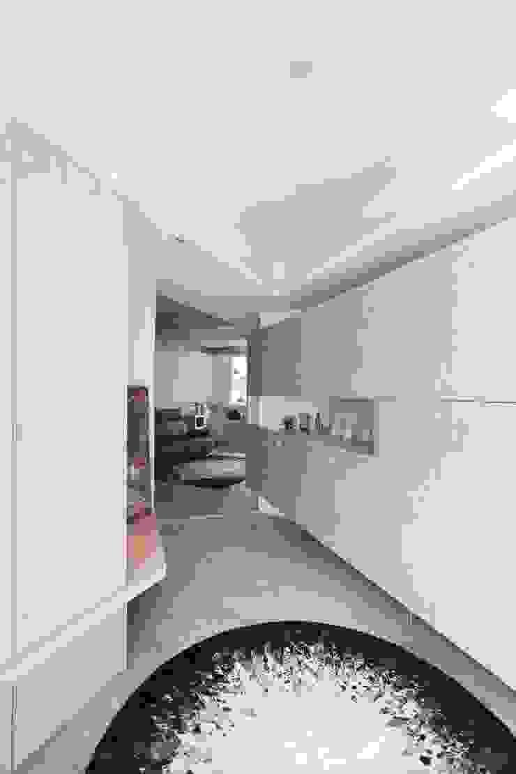 築一國際室內裝修有限公司 Modern style doors
