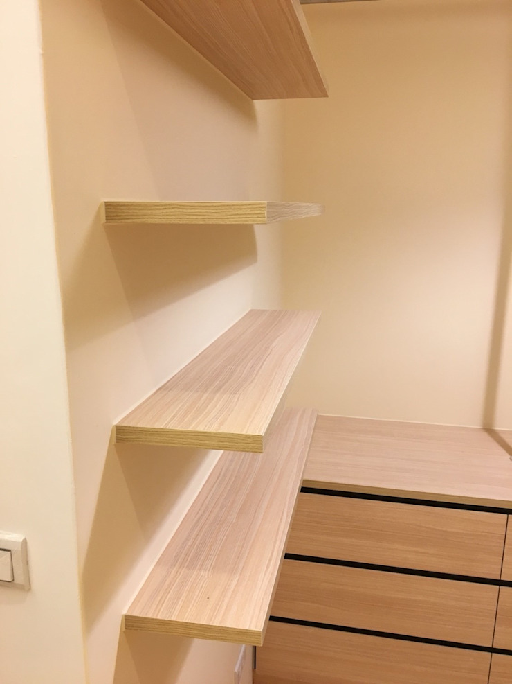 裝潢免百萬 利用現有格局及顏色的搭配 打造完美的家 捷士空間設計(省錢裝潢) 更衣室