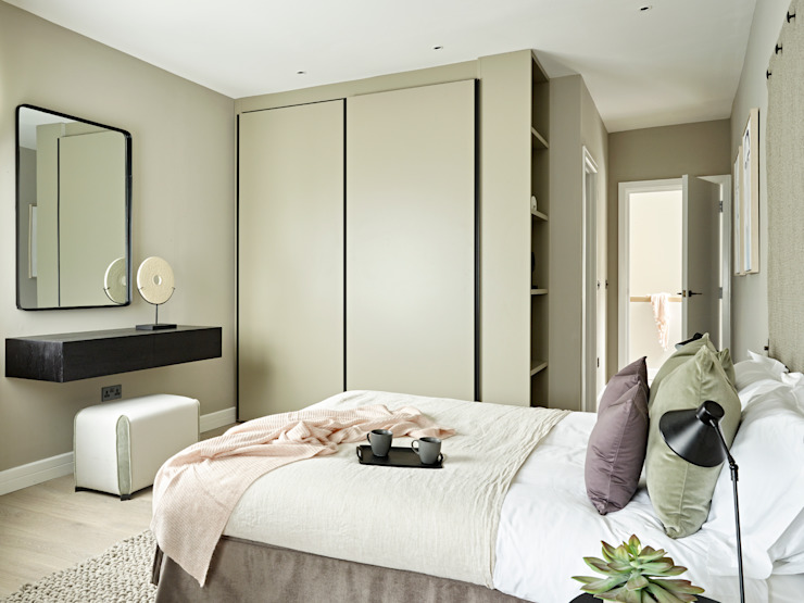 An urban chic mews in Fulham Industrial style bedroom by Tailored Living Interiors Industrial Engineered Wood Transparent