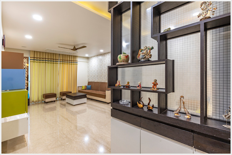 Mr. Prashant Pawar and Family Modern corridor, hallway & stairs by GREEN HAT STUDIO PVT LTD Modern