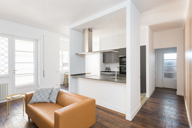 Soggiorno cucina Soggiorno moderno di Grippo + Murzi Architetti Moderno