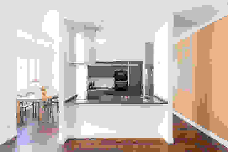 Cucina Cucina moderna di Grippo + Murzi Architetti Moderno
