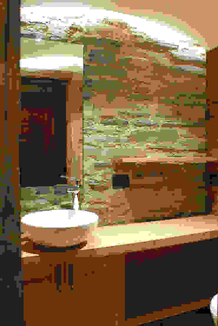 Modern Bathroom by GRITTI ROLLO   Stefano Gritti e Sofia Rollo Modern Stone