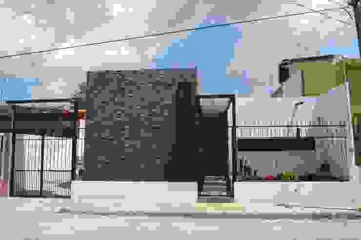 Casas modernas de Zona Arquitectura Más Ingeniería Moderno