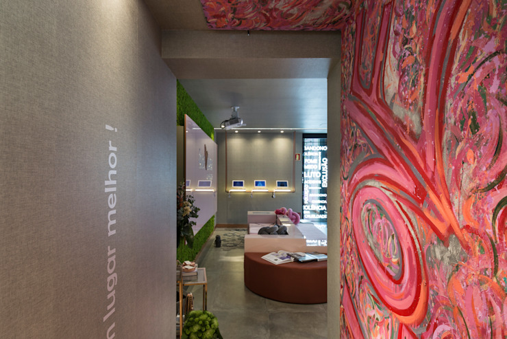 Couloir, entrée, escaliers modernes par Juliana Damasio Arquitetura Moderne