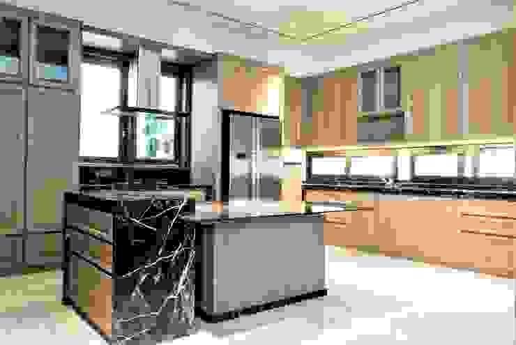 Pantry 1:modern  oleh ARF interior, Modern